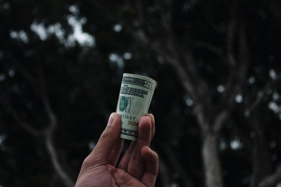Отмена декларирования валюты: документ стал на 100% коррупционным – эксперт