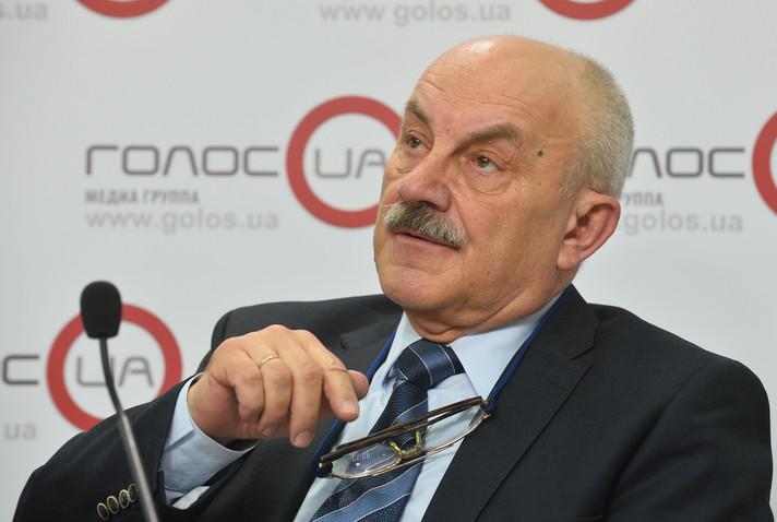 Лисицкий: Единственное решение по «Привату» – договорняк Порошенко и Коломойского