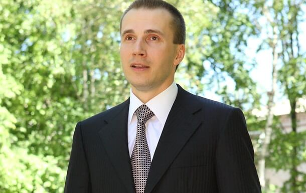 Сын Януковича подал в суд на НБУ