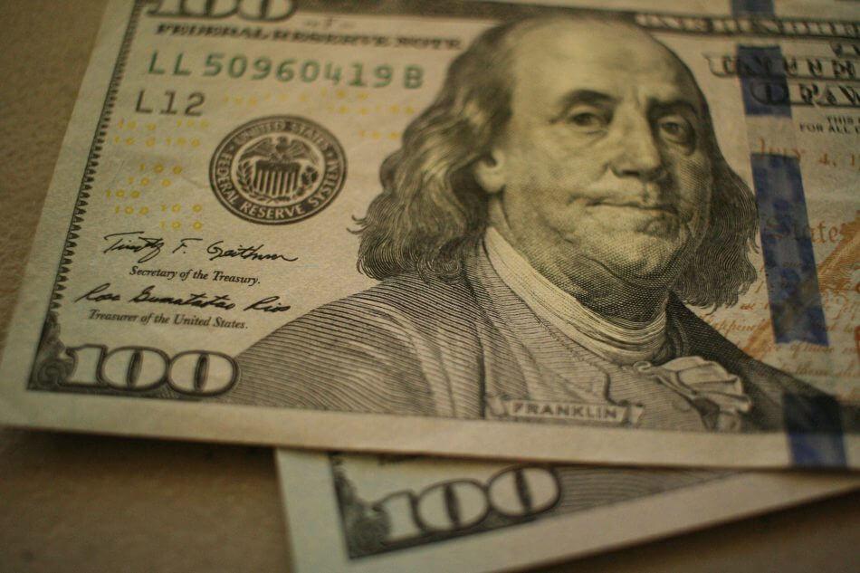 НБУ разрешил банкам выдавать гривневые кредиты под залог валюты