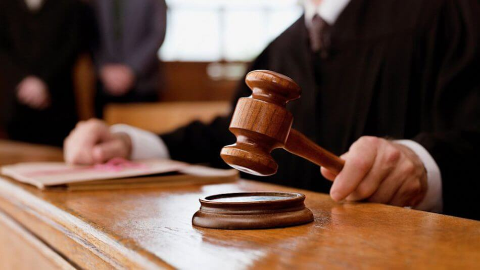 Ощадбанк должен показать счета Януковича – суд