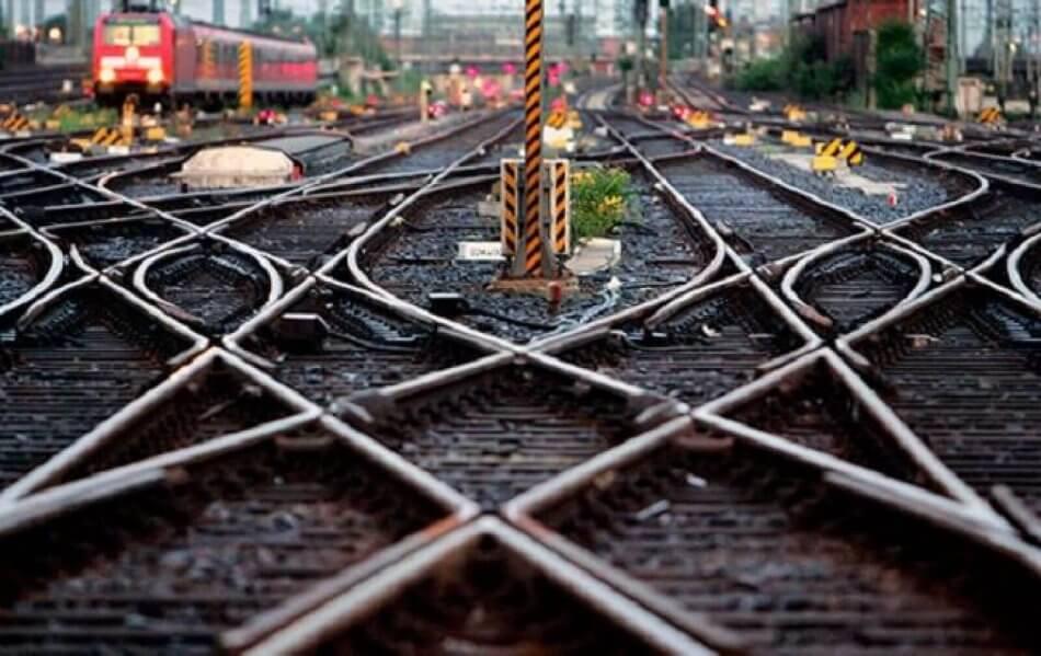 Мининфраструктуры вернул под свой контроль УЗ – Омелян