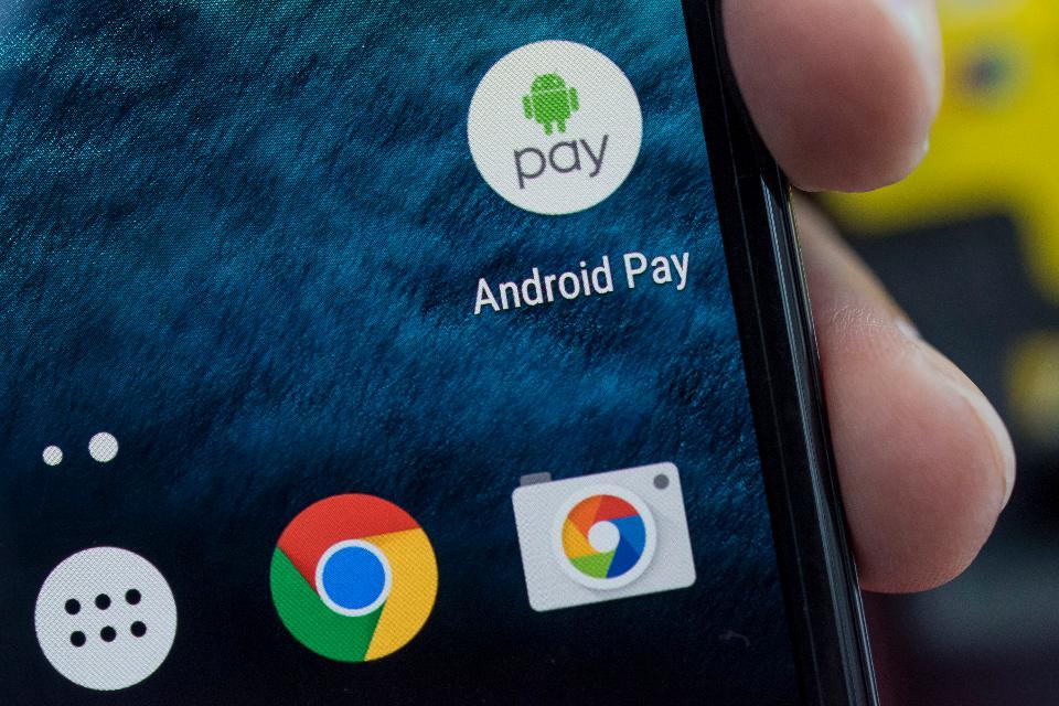 Android Pay подключили еще в одном банке